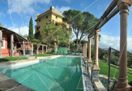 San Lorenzo della Costa: porzione di villa con piscina in affitto
