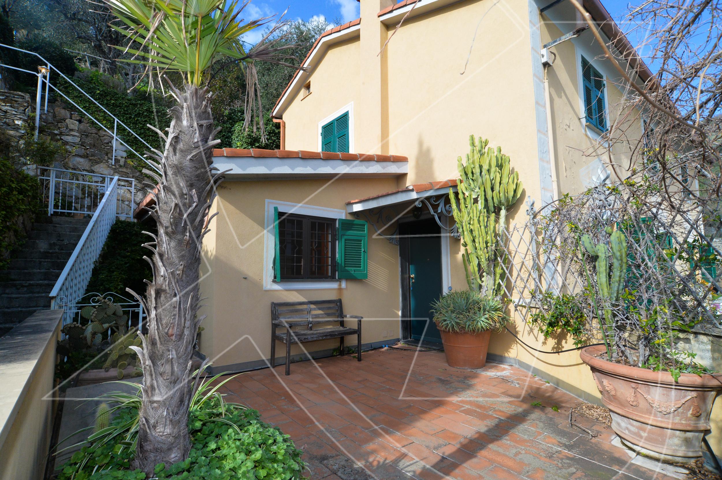 Zoagli scogliera affitto appartamento vista mare con box terrazza e giardino tigullio affitti - Affitto casa con giardino ...