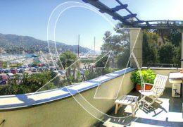 Appartamento in villa vista mare in affitto a Rapallo, zona porto
