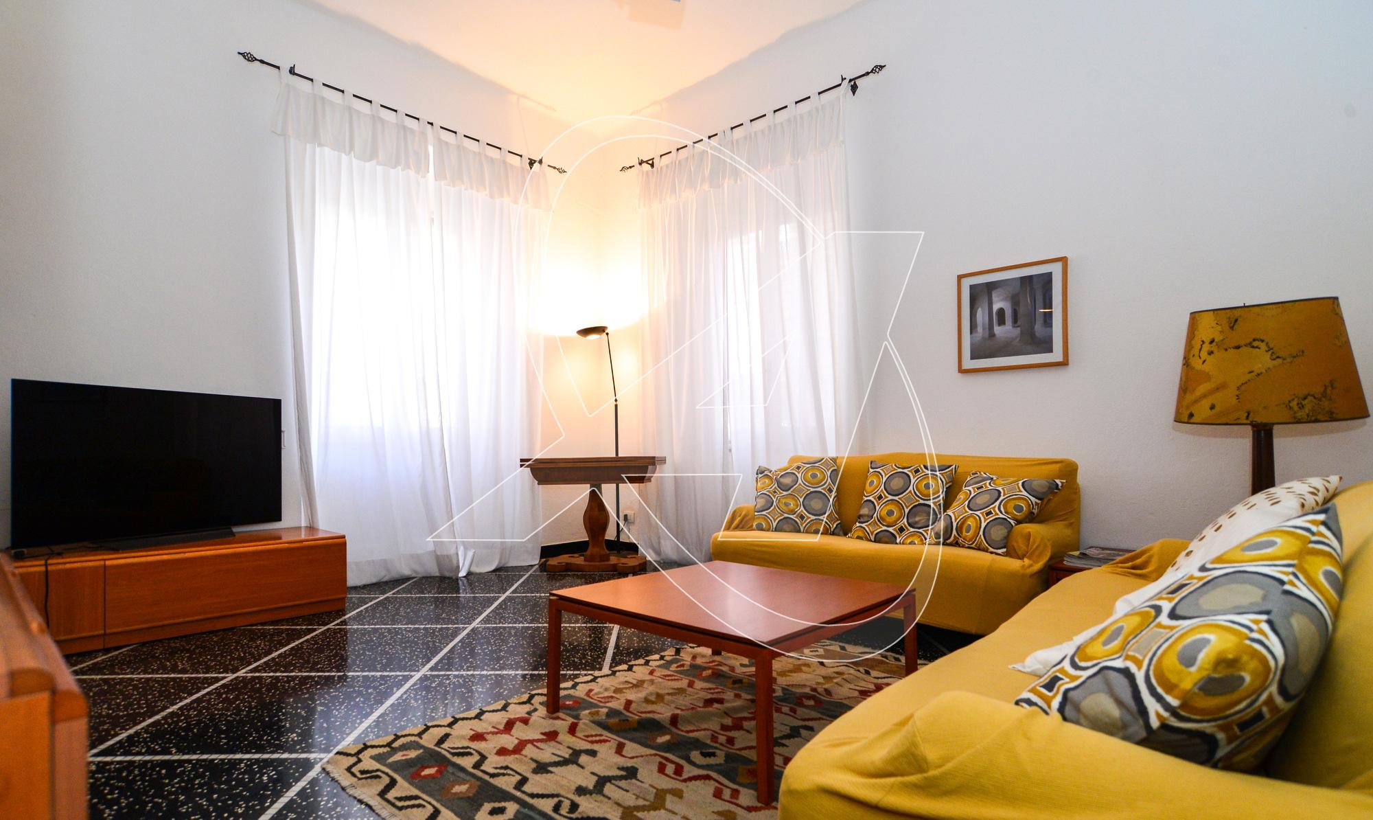 Santa Margherita Ligure zona Corte - Affitto appartamento con tre camere, balcone, ascensore e possibilità di garage