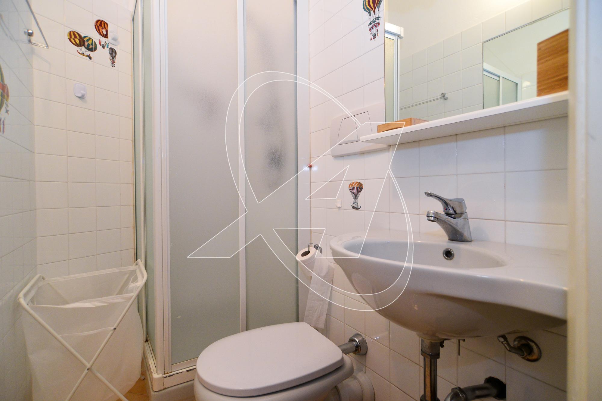 Santa Margherita appartamento in affitto zona porto con tre camere e due bagni