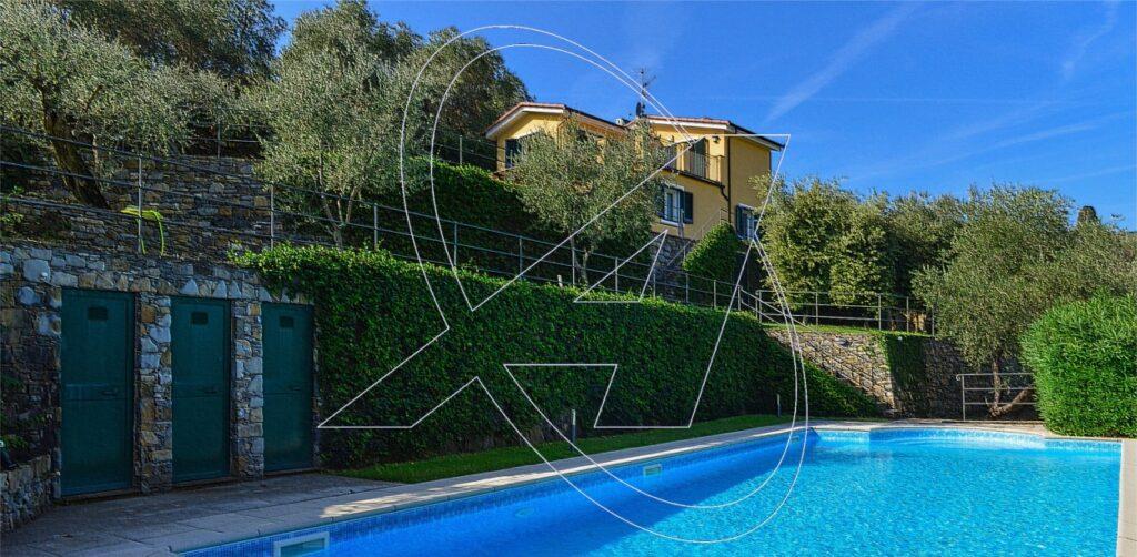 S. MARGHERITA Ligure: affittasi VILLA vista mare con piscina e giardino