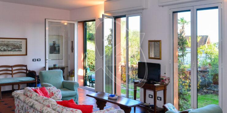 S. Margherita Ligure affitto appartamento in villa con giardino e garage
